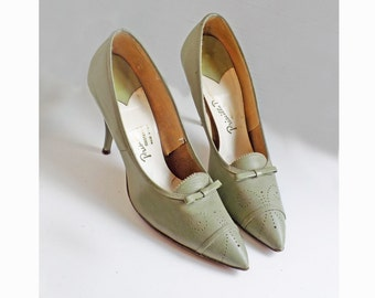 1950s Olive Green Oxford Styled leather pumps by Priscilla Dean / size 8/ 8.5