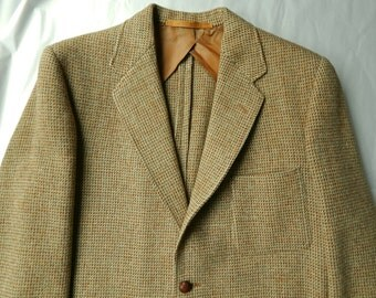 1940s Harris Tweed Sport Coat made in England. Chest 43.