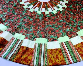 Quilted Tree Skirt  Patchwork Christmas Quilt in Reproduction Vintage Fabric  Heirloom Wedding Gift  Handmade  Ready to Ship Christmas Decor
