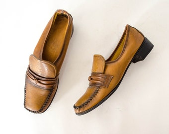 50% CLEARANCE SALE / 1970s vintage shoes / vegan leather loafers / Connie / 7.5-8