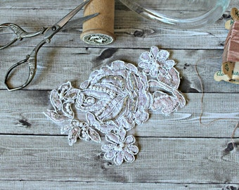 French vintage floral application embroidery light pink 1980s shabby chic french country romantic