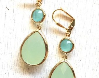 Mint and Aqua Dangle Earrings in Gold. Drop Earrings. Bridesmaids Earrings. Gift. Wedding Jewelry. Aqua Dangle Earrings. Gift.