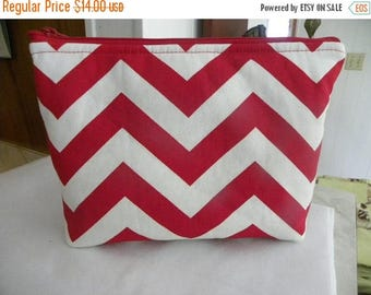Zig Zag Large Cosmetic bag Large zipper Zig Zag Print Cosmetic/accessory Pouch-Red and white Chevron