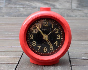 Vintage Alarm Clock - Red clock - Manual clock - Red alarm clock mechanical
