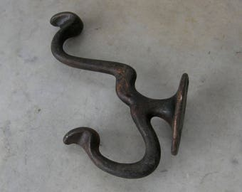 DOUBLE IRON HOOK Vintage Iron Coat & Hat Hook Western Look 4 Hanging Holes American Primitive Iron Work Early 1900's