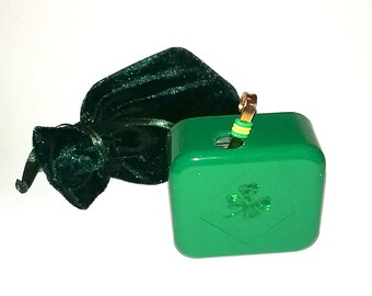 Tura Lura Lura An Irish Lullaby or Other Gaelic Classics  - Kelly Green -  Music Box With On/Off Switch