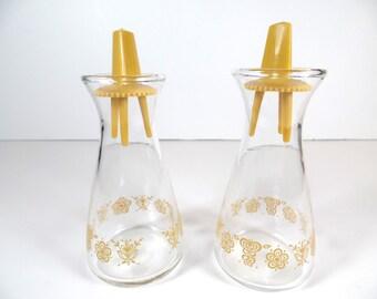 Vintage Pyrex Butterfly Gold Pattern Salt & Pepper Shaker Set - Pyrex Butterfly Gold Shakers - Pyrex Shakers - Pyrex - Pyrex Butterfly Gold