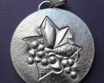 On Sale Violets Louis Leygue French Silver Paris Mint Art Medal Pendant Dated 1978   SS394