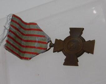 Antique WW1 French Combatant Cross Medal Croix Du Combatant Medal