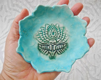 Ring Dish Holder, lotus flower bowl, ring bowl, ceramic bowl, Green Blue, Turquoise ring bowl, air plant holder, Small bowl, jewelry holder