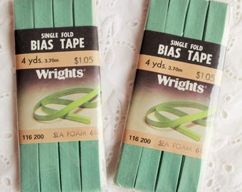 8 yards Wrights single fold vintage bias tape / pastel light seafoam green / unused new old stock in packages
