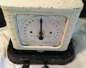 Vintage kitchen scale Art Deco 1940s