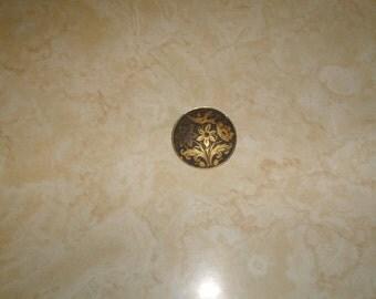 vintage pin brooch goldtone etched flowers bird