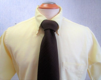 "70s 16 1/2"" Button Down Sero Mills-Touche Oxford Men's Big Collar Short Sleeve Shirt Yellow w/ Brown Poly Tie"