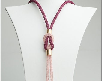 Necklace in pinks #008