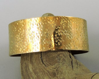 Hammered Brass Cuff, Brass Bracelet, Brass Jewelry, Metal Bracelet, 1 Inch Wide Cuff, Metalwork Bracelet, Metalwork Jewelry