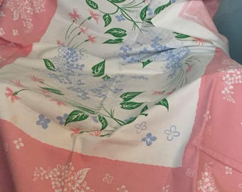 Fabulous large Simtex pink floral tablecloth feels like heavy cotton barkcloth! Perfect Summer decor !
