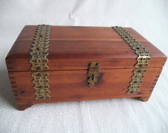 Wood jewelry box/ vintage wooden box with metal hardware/ rectangle box with legs/ lift up lid /hinges/ bohemian decor box/ keepsake box