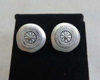 1970s Silvery Ethnic  Clip On Earrings, Petite Clip On Earrings, Vintage