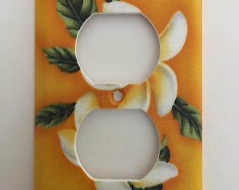 Hawaii Plumeria Single Outlet  Plate
