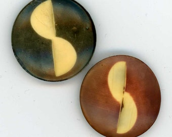 2 Vintage Carved Celluloid Coat Buttons ~ 1-1/16 inch 27mm ~ Cinnamon & Dirty Green ~ Turn-Around Turned Design Semi-Circle Circle Segments