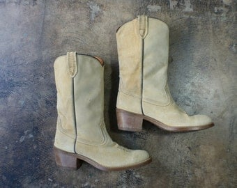9 / Women's Cowboy Boots / Buttery Suede Western Boots / Vintage leather Shoes
