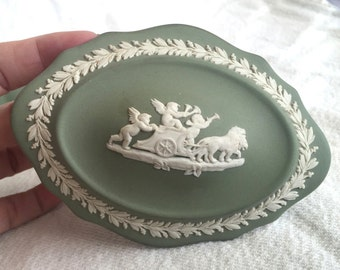 Wedgwood green jasperware jewelry trinket gift box with lid sage green scalloped with Pegasus Neoclassical scenes