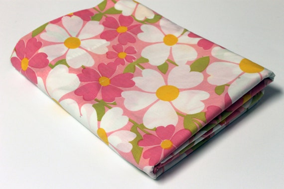 Retro Pink Floral Bed Sheet, Full Size Flat