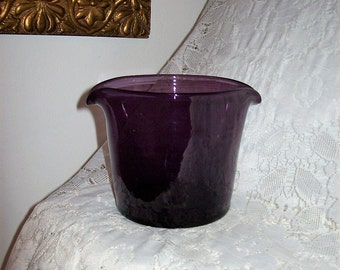 Vintage Amethyst Hand Blown Glass Beaker w/ Double Sided Pour Only 12 USD