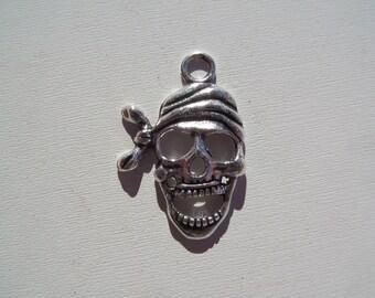 Skull charm, 5CT. 28mm*20mm (Y31)