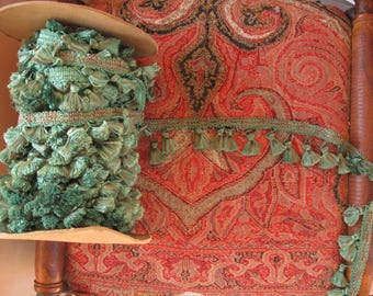 Vintage Emerald Green Tasseled Gimp, Luxurious Silky Rayon Tassels - Buy by the Yard - 18 Yards Available