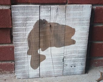 Largemouth bass sign, Father's Day gift, Gift for fisherman, Pallet wood sign, Rustic fishing sign, Mancave decor, House warming gift