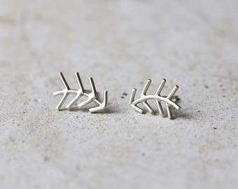 Ear climber earrings, ear crawler earrings, silver ear climber, fir tree earrings, nature earrings, arrow earrings, arrow studs