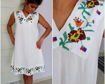Boho Wedding Dress, Floral Embroidery Summer Dress,  White Dress, Boho Knee lengt Dress, Hand Embroidered White Dress, Beach Dress Size M