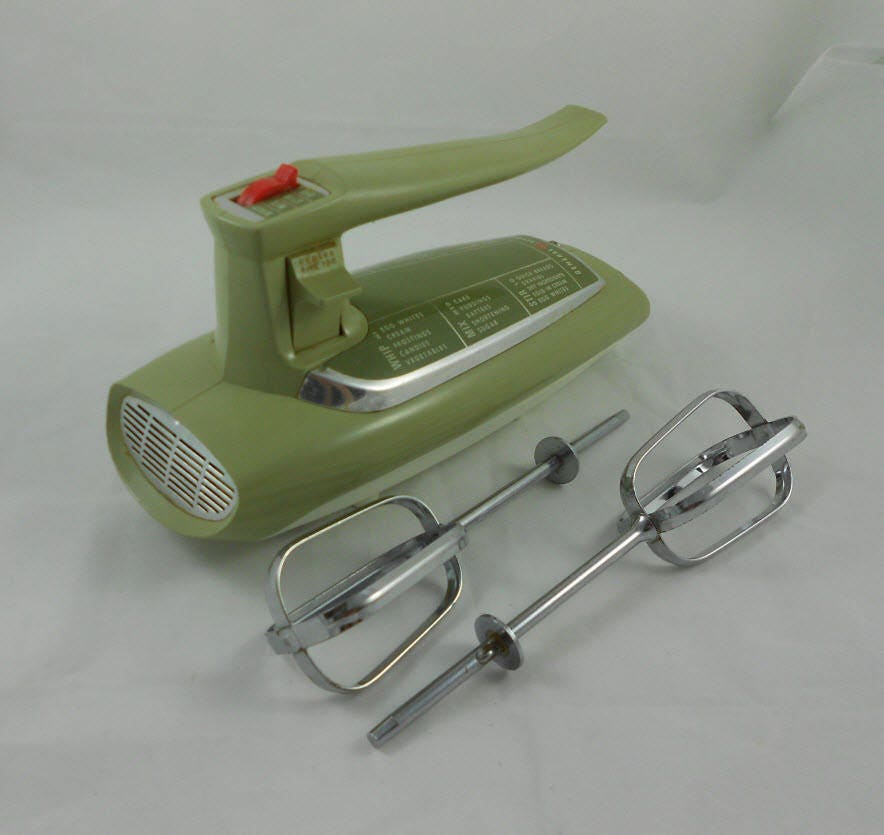 Vintage 1960s general electric hand mixer avocado green for Antique general electric mixer