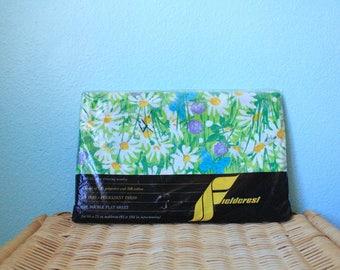 """NEW vintage double flat sheet / full size sheet / Fieldcrest """"sunshine"""" 11500 daisy flower power unused deadstock"""