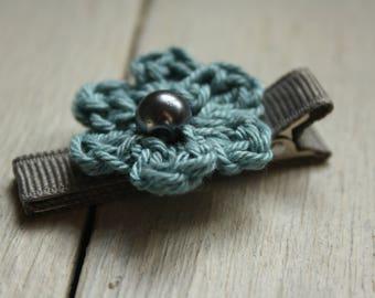 Crochet Flower Alligator Hair Clip in Orchard Green