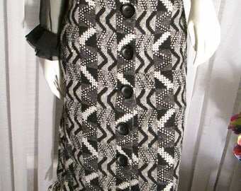 1950's Ladies Black and White Quilted Geometric Print Wool SKIRT With Fringe Bottom no Label