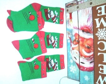 Boys Snoopy Christmas Socks wBells....Unisex Boys and Girls,Christmas, Partywear, Photo Prop,Gingerbread,Santa,Penquins