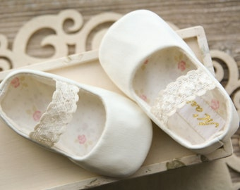 Ivory flower girl shoes, baby ballerina shoes, baby ballet slippers, ivory baptism shoes, baby ballet flats, toddler girl shoes, baby gift