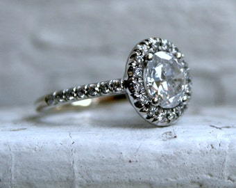 Stunning Vintage 14K White Gold Halo Oval Diamond Ring Engagement Ring with EGL certificate - 1.64ct.
