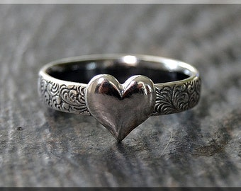 READY to SHIP, Sterling Silver Sweet Heart Ring, US Size 5, Valentine Ring, Handmade Sterling Silver Ring, Floral Heart Stacking ring