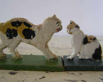 Prewar 1930's Wooden Momma Cat and Kitten. Erzgebirge Hand-Carved Hand painted Miniature. Old German Primitive Folk Art Collectible.