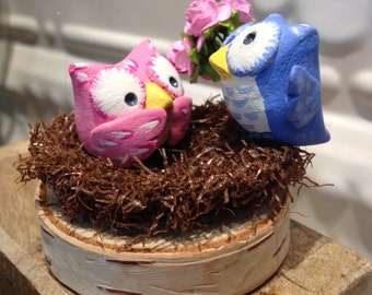 Valentine's Day Gift-Cute Owl Couple in nest-Bringing flower bouquet-Real Wood base-Hand Sculpted-Paper clay-Garland nest-Pink and Blue
