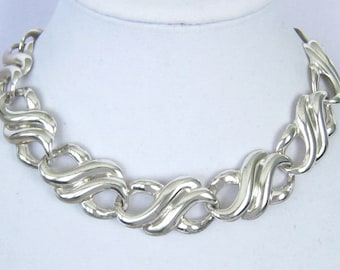 ANNE KLEIN Heavy Silver Double Swirl Infinity Link Choker. Bright Silver Finish. 80's Vintage. Chunky, Bold, Statement, Runway. Logo Tag.