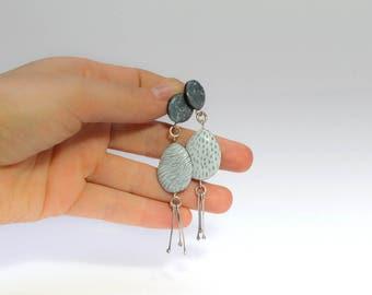 white funky earrings, silver tassel earrings, dangle earrings, white jewelry, gray drop earrings, asymmetric jewelry, mismatched earrings