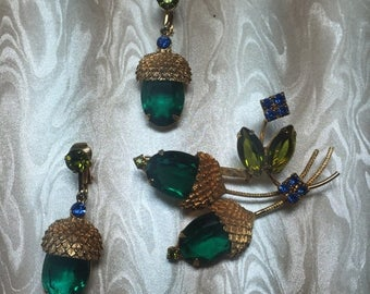 Vintage Green Acorn Brooch and Earrings 1970s UNSIGNED  Item: 17262
