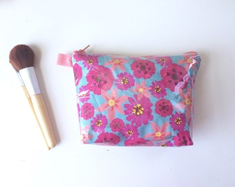 Springtime Divided Flat Bottom Pouch Small (handmade philosophy's pattern)