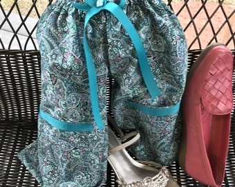 QwerkyPants Shoe Travel Bag, Teal Paisley Travel Shoe Bag with FREE Gift Bag, Separated Shoe Bag, Shoe Protection, Lightweight Shoe Bag