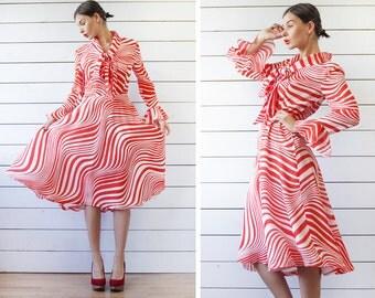 Vintage red white swirl stripe print ruffle sleeve full skirt neck tie summer dress M L